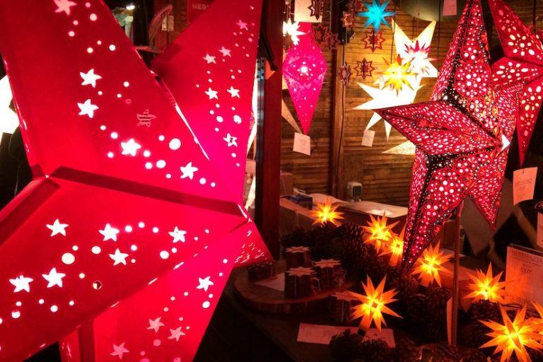 Adventsstimmung im Biergarten –  Weihnachtsmarkt im Herbrand's