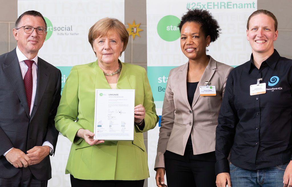 Überreicht durch die Bundeskanzlerin: Auszeichnung für Lebensdurst-ICH